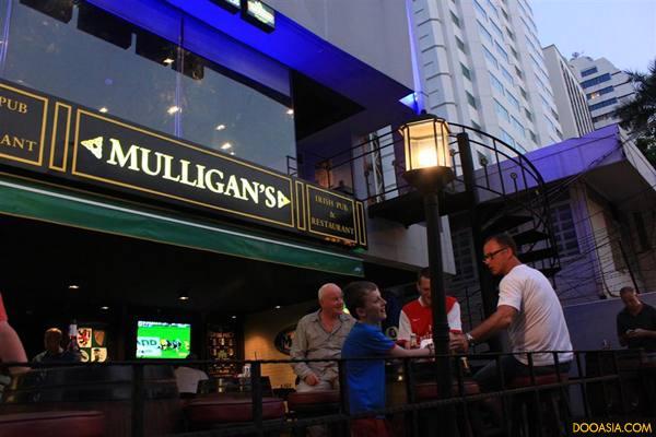 MULLIGAN'S (1)