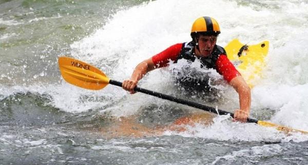kayaker_02
