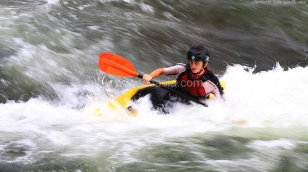 kayaker_08
