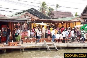 amphawa-floating-market (1)