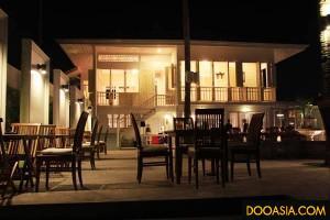 Living-Room Hua-Hin-Bistro (1)
