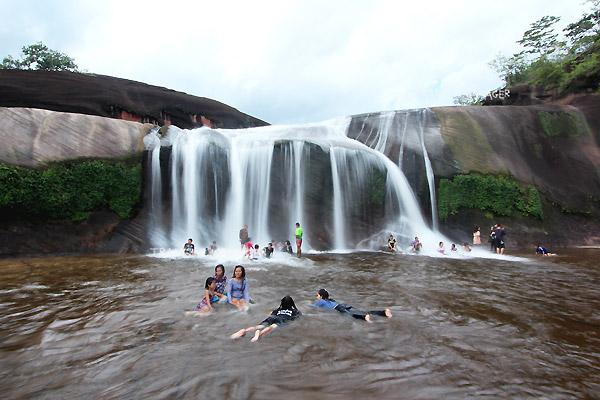 phutampha-waterfall (1)