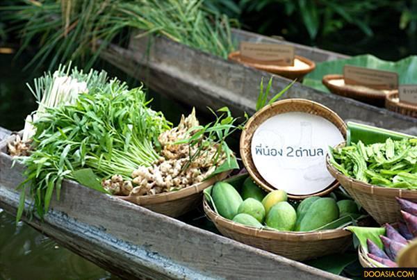 พืชผักต่างๆ จากกลุ่มเกษตรกรพี่น้องสองตำบล+...