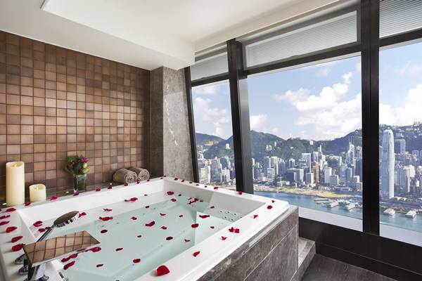 Ritz Carlton, Hong Kong_ Photo Credit: Ritz Carlton, Hong Kong